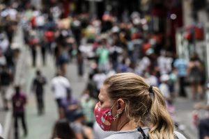Brasil supera 6,6 millones de casos de COVID-19 y acumula 176.941 decesos