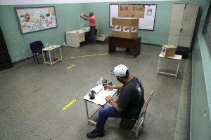 Uruguay expresa su preocupación por comicios «no democráticos» en Venezuela