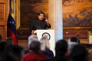 Maduro ve «estúpidas» las sanciones de EEUU a empresa vinculada a elecciones