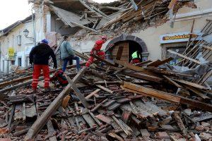 Al menos cinco muertos en terremoto que sacudió Croacia
