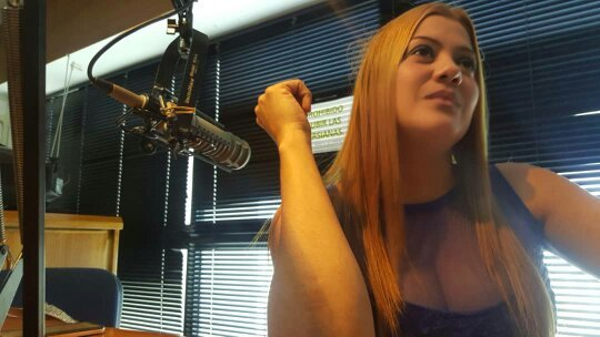 Robenis González, cantante zuliana con alma llanera, celebra 15 años ininterrumpidos en la radio