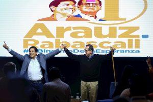Candidato correísta clama victoria frente «al banquero» y cree se ampliará