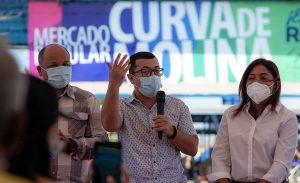 Alcaldía de Maracaibo entregó registro mercantil a 80 comerciantes de la Curva de Molina