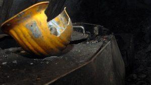 Al menos cinco muertos y unos 70 desaparecidos tras deslizamientos en mina de oro en Indonesia
