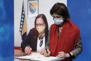 Bosnia-Herzegovina firma acuerdo de cooperación con CERN