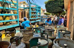 Gobierno del Zulia distribuyó este lunes de carnaval dos mil 100 bombonas de gas doméstico en Maracaibo y San Francisco