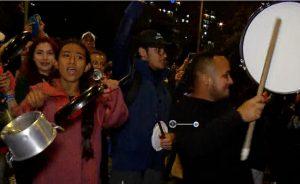 Cacerolazos contra Duque inundan la noche en Bogotá