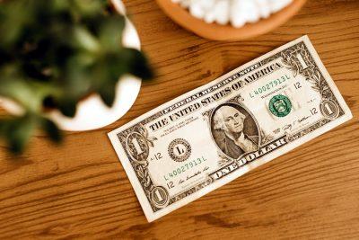 #Venezuela | Dólar estadounidense se acerca a los dos millones y medios por unidad