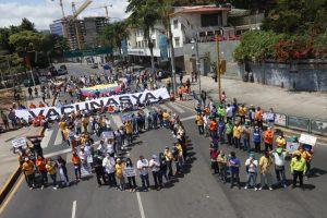 Nueva protesta se generó este viernes en caracas para exigir vacunación contra la COVID-19