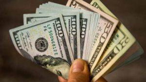Divisa americana cierra con un leve descenso en su valor la jornada de este miércoles