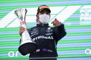#F1 | Hamilton reina en Barcelona, con Sainz séptimo y Alonso décimoséptimo