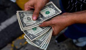 #VenezuelaDivisa estadounidense cierra la jornada de este lunes con un descenso del  -0,28 % en su valor