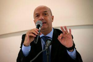 Simonovis: Las FARC buscan crear una confrontación entre Colombia y Venezuela con muerte de Santrich