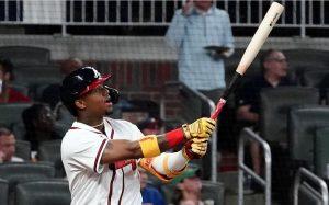 Acuña Jr llega a la decena de jonrones en las grandes ligas