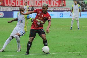 #LigaFútVe   Caracas tropieza pero se mantiene como el mejor equipo venezolano