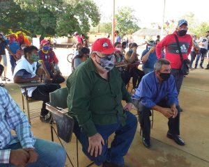 #Zulia  Militantes del Psuv en Lossada están postulando y votando «en paz y en democracia»