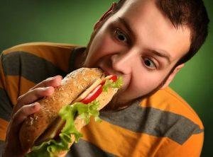 El 30 % de la grasa en la sangre proviene de los alimentos ingeridos