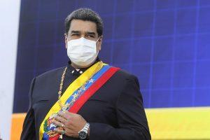 Venezuela plantea vacunar contra la COVID-19 en farmacias, liceos y centros comerciales