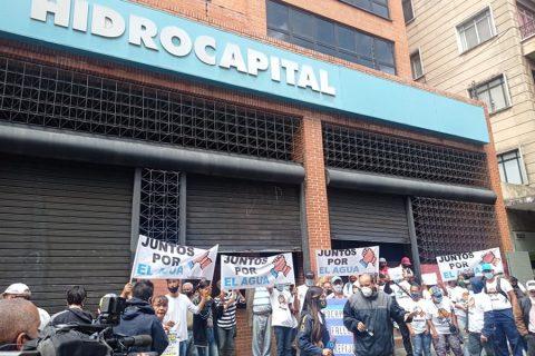Protestan en Hidrocapital denunciando su cierre técnico el cual ha dejado al 37 % de Caracas sin agua