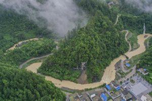 Más de 1.000 residentes escapan de deslizamiento de tierra en suroeste de China tras advertencia previa oportuna