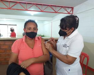 #Zulia   Unos 500 lossadeños se vacunan a diario en jornada de inmunización anticovid