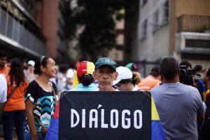Al menos el 71 % de los venezolanos no confía en nuevo proceso de diálogo