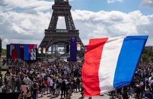 Tokio conecta en directo con París para cederle el relevo olímpico