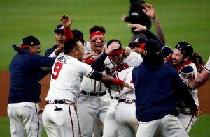 #MLB | Rosario pega jonrón y da a los Bravos el boleto al Clásico de Otoño