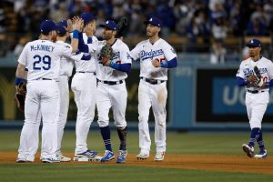 #MLB   Dodgers fuerzan «el bonito» y Julio Urías estará para decidir