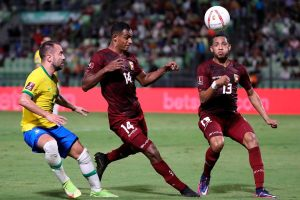 #EliminatoriasCatar2022   Brasil pasa un susto pero remonta sobre el final